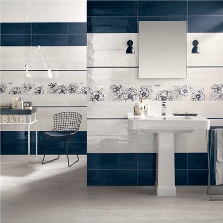 Rivestimenti per interno bagno aqua for Rivestimenti adesivi per piastrelle bagno