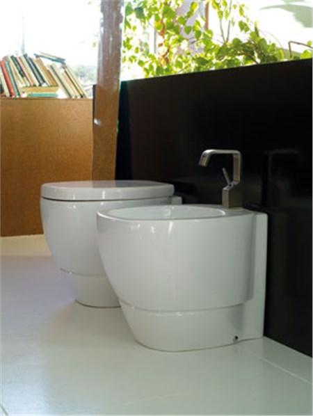 Collezione sanitari bagno tratto for Produttori sanitari bagno