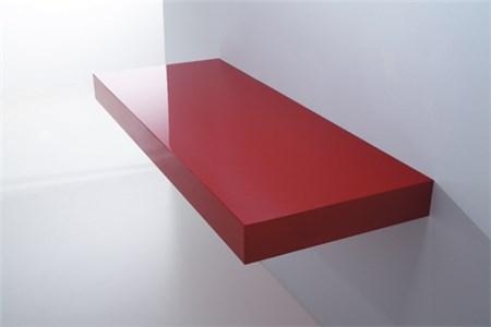 mensola in legno rosso laccato