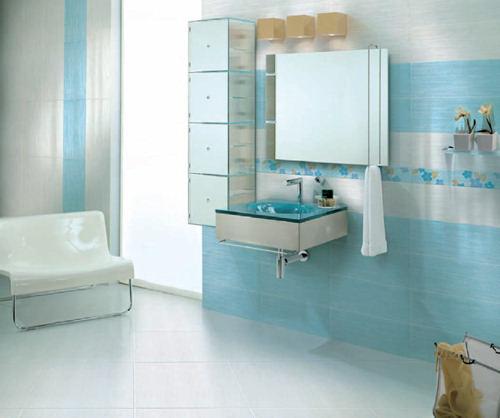 Bagni colorati verdi design casa creativa e mobili for Piastrelle bagno piccolo