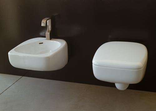 Sanitari sospesi fluid for Produttori sanitari bagno