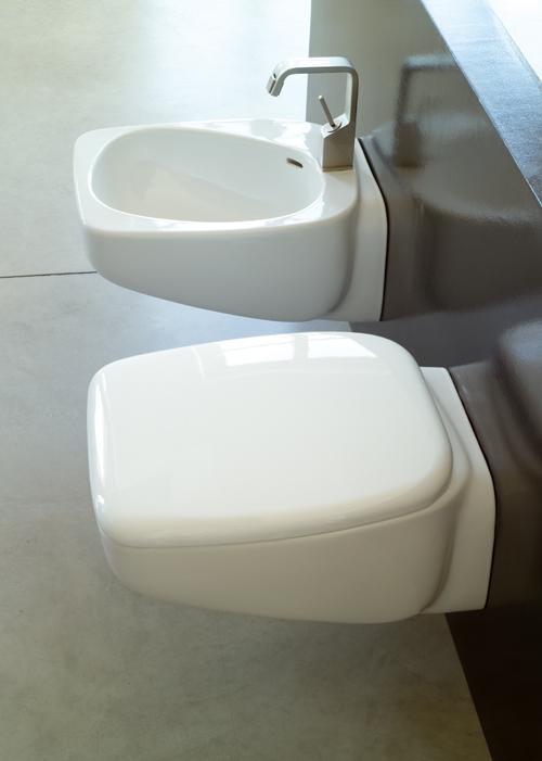 Collezione fluid sospesa for Produttori sanitari bagno