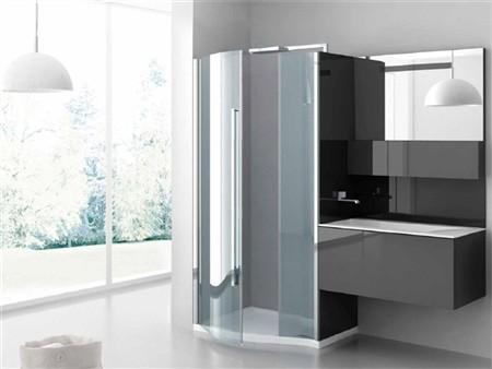 I mobili bagno componibili e i box doccia salva spazio
