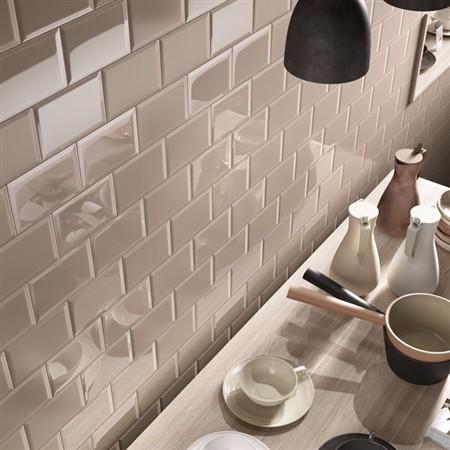 Cento per cento il nuovo progetto di ceramica Imola