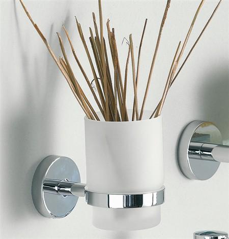 Inda presenta la nuova serie di accessori in ottone for Accessori bagno inda