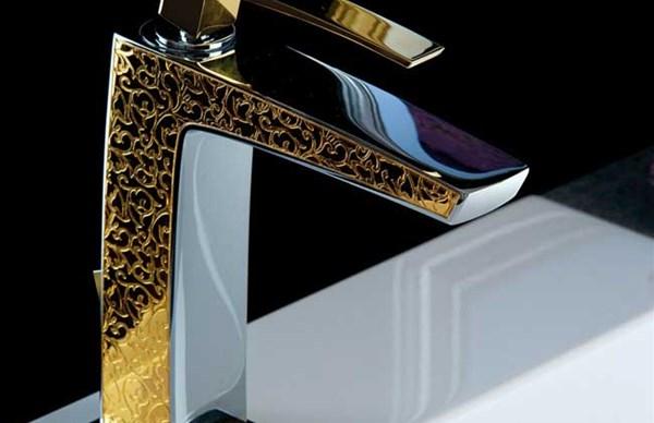 Miscelatore per lavabo in metallo cromato da bagno fori