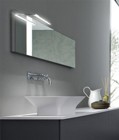 Stocco presenta elle una nuova lampada led per il bagno - Lampada led specchio bagno ...