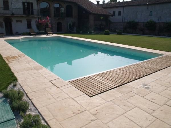Piscina interrata con casseri preformati in eps relax isoblok for Casseri in polistirolo per piscine
